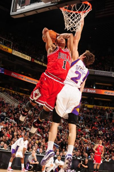 Derrick_Rose_Dunks_On_Goran_Dragic