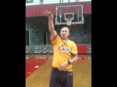 Palubinskas perfect freethrow follow through.