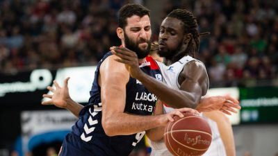 Bourousis-Ndour-pelean-Baskonia-Real-Madrid_91750934_392380_854x480
