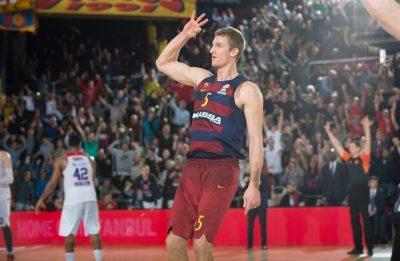 justin-doellman-celebrates-fc-barcelona-lassa-eb15