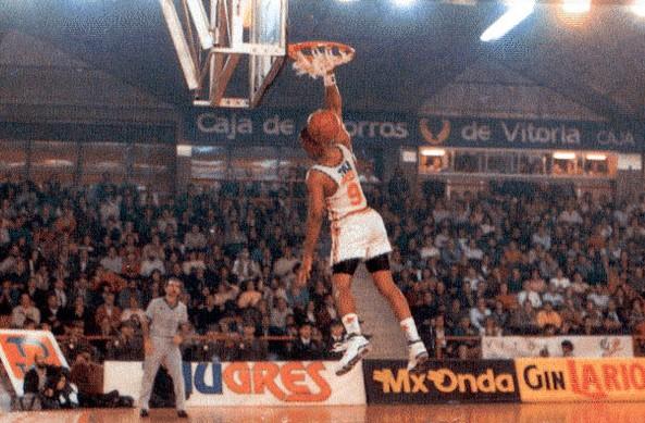 Nostálgicos: Larry Micheaux, la interesante historia de todo un clásico de la ACB