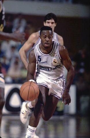 Nostálgicos: Michael Anderson, otro base jugón en el el podio de la ACB. Por Roberto González Rico.