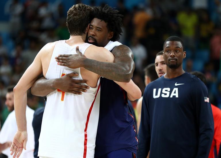 Selección masculina Baloncesto: El abrazo del boxeador