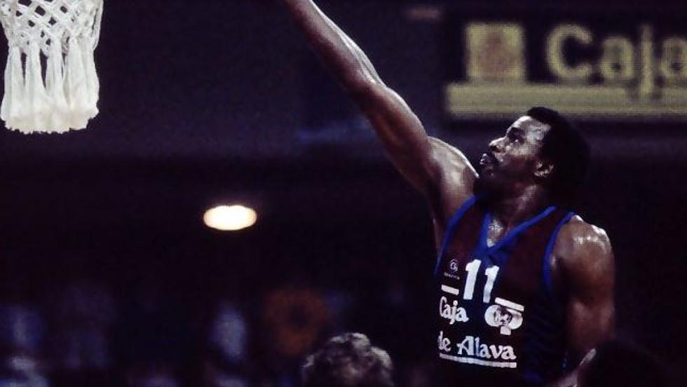 Nostálgicos: Abdul Jeelani, una leyenda del baloncesto de los 80. Por Roberto González Rico.