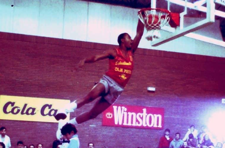 Nostálgicos. David Russell, uno de los primeros galácticos de la ACB. Por Roberto González Rico.