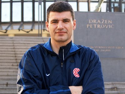Nostálgicos: Velimir Perasovic, capacidad de liderazgo y poder de anotación.Por Roberto González Rico.