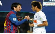 Messi saludando a Neymar en la final de la Copa intercontinental de 2011