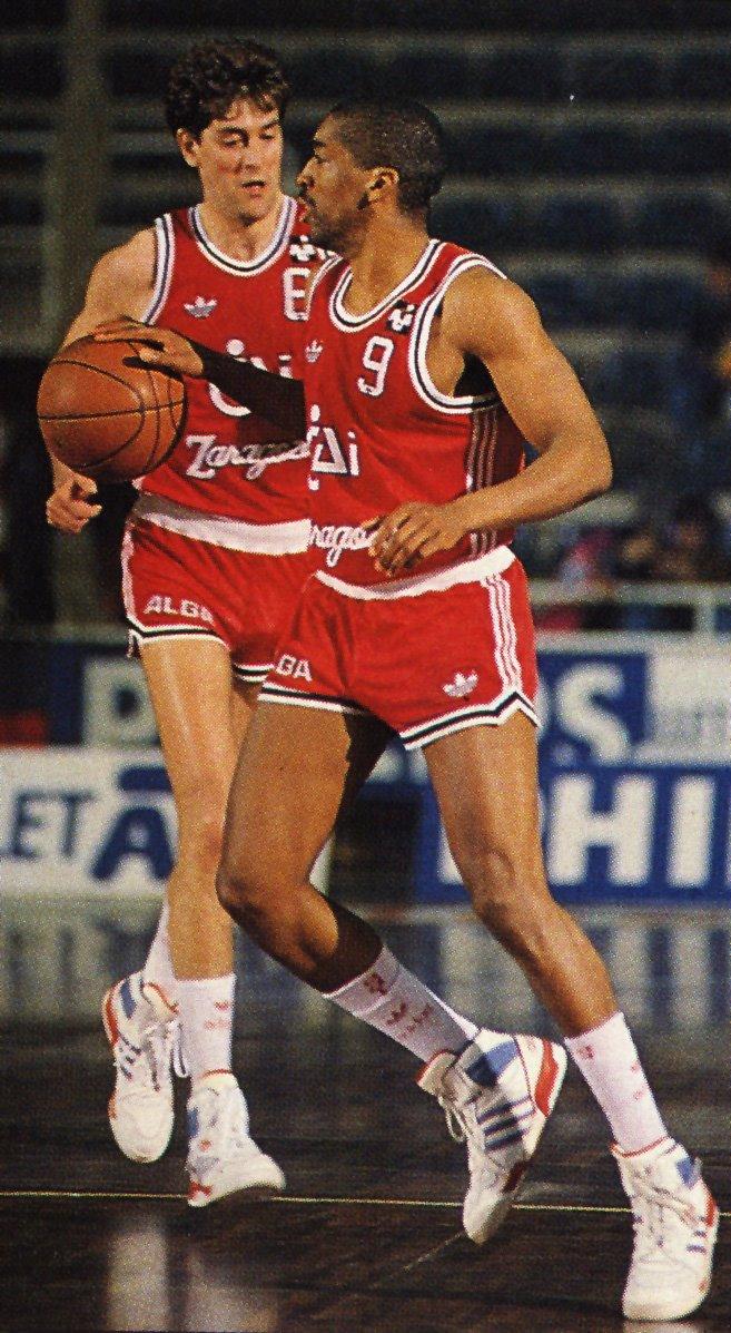 Nostálgicos. Leon Wood. Uno de los primeros combo guards en la historia de la ACB.Por Roberto González Rico.