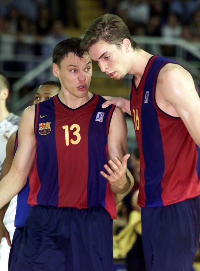 FC Barcelona Basket siglo XXI. Temporada 2000-01. Sabor agridulce a pesar del doblete de la Copa y ACB.Por Roberto González Rico.